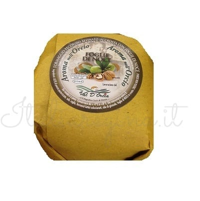 Italian Pecorino With Walnut Crust  (Toscano) - Val d'orcia